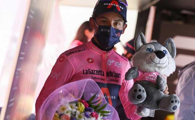 Egan Bernal lider del Giro de Italia